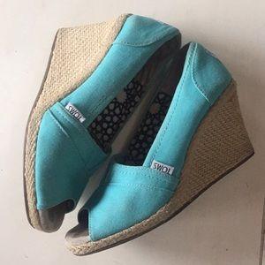 TOMS🕊 aqua blue wedges size 7
